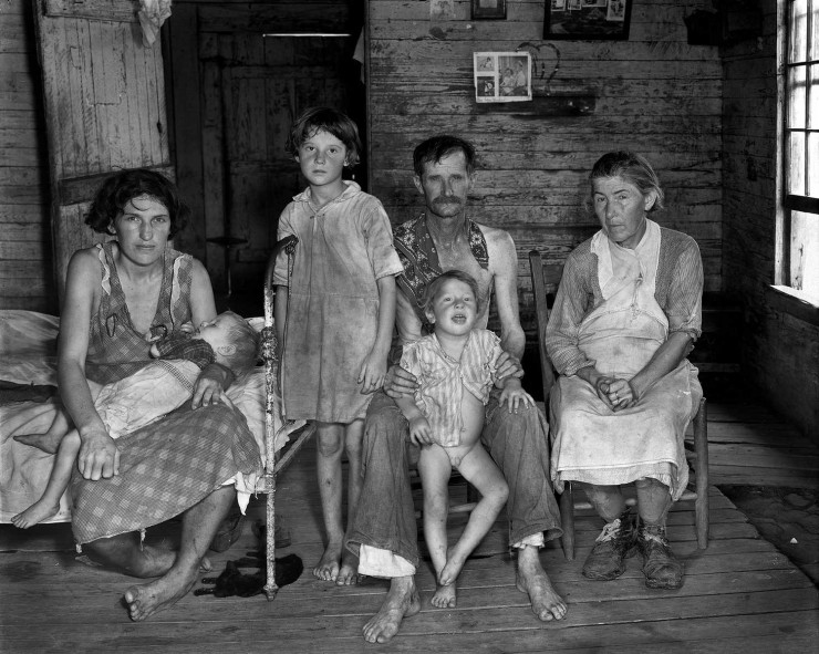 WALKER EVANS. Sharecropper's Family, Hale County Alabama, 1935.