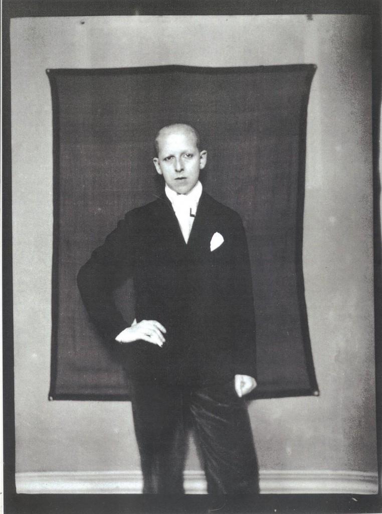 CLAUDE CAHUN. Autoportrait, 1928.