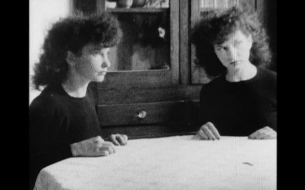 Maya Deren: Meshes of the Afternoon, 1943. Blanco y negro, 15'.